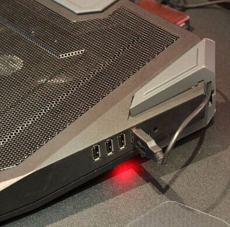 Cooler Master Storm SF19 – высокоэффективная охлаждающая подставка