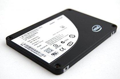 Intel ускоряет выпуск новых SSD-накопителей