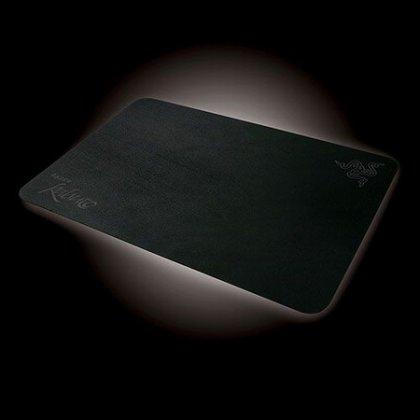 Игровая мышка и игровой коврик от Razer
